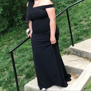 Black off the shoulders occasional dress